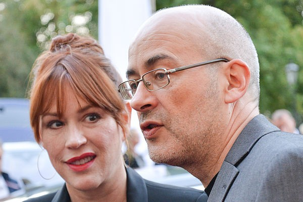 04 Festival Director Torsten Neumann and Molly Ringwald at the Filmmakers Castle Reception hosted by Audi Zentrum Oldenburg