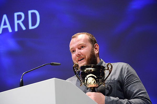 02 Director Mikhail Raskhodnikovs Vremennye trudnosti Temporary Difficulties wins the German Independence Award for Best Film and th